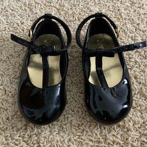 GAP black patent t-strap shoes
